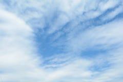 Himmel und Wolken Lizenzfreie Stockfotos