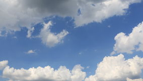 Himmel und Wolken stock video