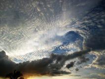 Himmel und Wolken bei Thailand Lizenzfreies Stockfoto