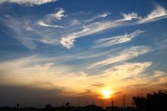 Himmel und Wolken im Sonnenuntergang Lizenzfreie Stockbilder