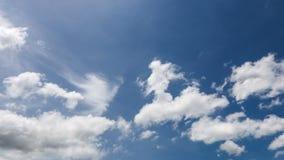 Himmel- und Wolkenc$zeit-versehen 4K stock video