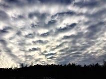 Himmel, Wolken, Horizont und Winter Lizenzfreie Stockfotos