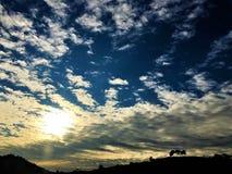 Himmel, Wolken, Horizont und Winter Lizenzfreie Stockfotografie