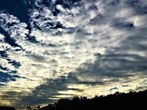 Himmel, Wolken und Horizont Lizenzfreies Stockfoto