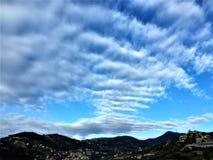 Himmel, Wolken und Landschaft Stockfoto