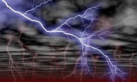 Himmel-Wolken und Sturm-Blitz Stockbild