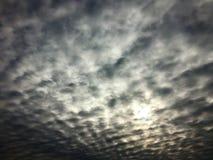 Himmel, Wolken und Winter Lizenzfreies Stockfoto