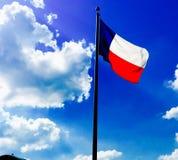 Himmelansicht unter Flagge Lizenzfreie Stockfotos