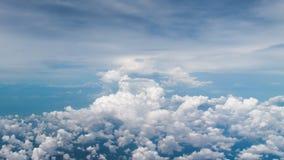 Himmelblått och moln Royaltyfria Bilder