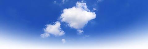 Himmellandschaft, leerer Raum des Himmelwolken-Panoramas, blauer Himmel, Wolke auf Himmelhintergrund Stockfoto