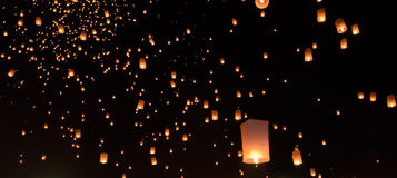 Himmellyktafestival i Thailand Arkivfoto