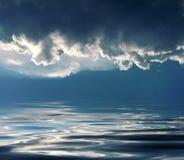 Himmelsfeiertag auf Meer stockbild