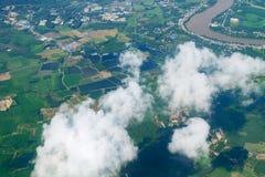 Himmelvogelperspektivelandschaft des Ackerlands Lizenzfreie Stockfotos