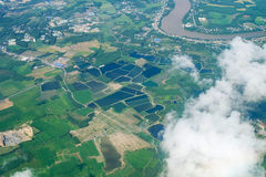 Himmelvogelperspektivelandschaft des Ackerlands Lizenzfreies Stockfoto
