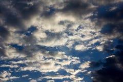 Himmelwolken auf der Sonne Lizenzfreie Stockfotografie