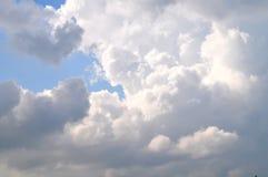Himmelwolken, Himmel mit Wolken Stockfotos
