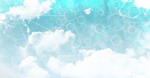 Himmelwolken mit Grafiken von Verbindungsstücken Lizenzfreies Stockbild