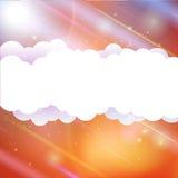Himmelwolken und Sonne mit Strahlen Stockfotografie