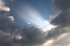 Himmlischer Strahl der Leuchte Lizenzfreie Stockfotografie