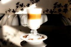 Himmlisches latte lizenzfreie stockbilder