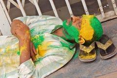 Hindúes indios celebran Holi o el festival hindú indio de colores un evento anual Imagen de archivo libre de regalías