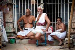 Hindischer Brahmane mit religiöse Attribute innerem Meenakshi-Tempel Lizenzfreies Stockfoto
