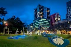 Hindmarsh-Quadrat nachts, Adelaide Lizenzfreie Stockbilder