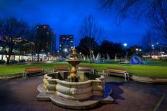 Hindmarsh-Quadrat nachts, Adelaide Stockfoto