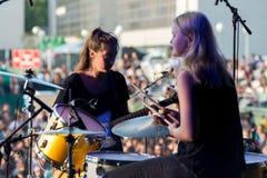 Hindmusikband i konsert på den Dcode festivalen Royaltyfri Bild