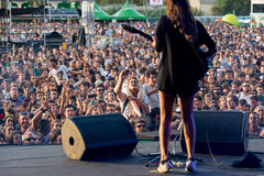 Hindmusikband i konsert på den Dcode festivalen Royaltyfria Bilder
