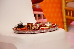 Hindoese ceremonie Puja Thali stock foto