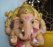 Hindoese God Ganesha in de Tempel stock afbeeldingen