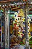 Hindoese heilige mens bij ceremonie stock foto's