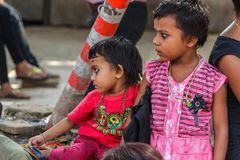 Hindoese kinderen bij Durbar-Vierkant in Katmandu, Nepal Royalty-vrije Stock Foto