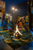Hindoese liefhebbers, Babughat, Kolkata Stock Foto