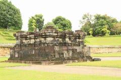 Hindoese tempel Sambisari - zijtempel royalty-vrije stock afbeeldingen