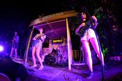 Hinds (band) in overleg in Vida Festival Stock Afbeelding
