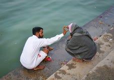 Hindu pilgrims praying in Pushkar, India Stock Photos
