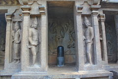 Hindu sculpture art on the walls of caves, Mahabalipuram, India Stock Photo