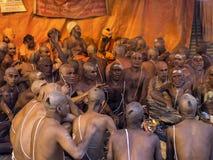 Hinduisk ceremoni på Kumbh Mela Festival i Allahabad, Indien Royaltyfri Fotografi
