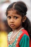 Hinduisk liten flickastående Arkivfoton