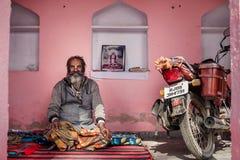 Hinduisk man i Rajasthan Arkivbilder