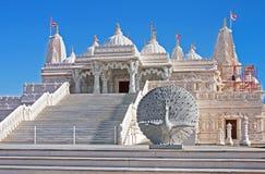 Hinduisk Mandir tempel som göras av marmor Fotografering för Bildbyråer
