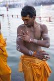 Hinduisk präst Body Painting Arkivbild