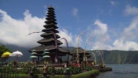 Hinduisk tempel på ön av Bali bratan danupuraulun Cinemagraph stock video