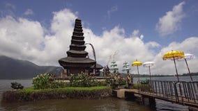 Hinduisk tempel på ön av Bali bratan danupuraulun Cinemagraph lager videofilmer