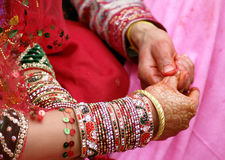 Hinduiska bröllopritualer Royaltyfri Bild
