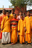 hinduiska deltagare för gladlynt grupp royaltyfri foto
