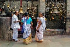 Hinduiska fantaster på den Kamakhya templet, Guwahati, Assam Arkivbild