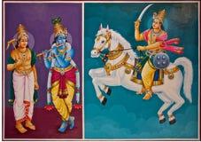 Hinduiska gudar på ett tempeltak Royaltyfri Foto